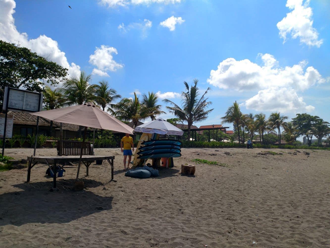 Pantai batubelig 00002
